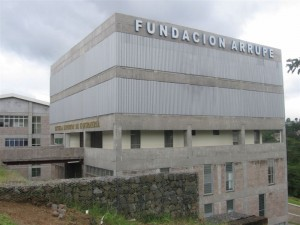 ESCUELA DE ENFERMERIA Y CLINICA PADRE ARRUPE
